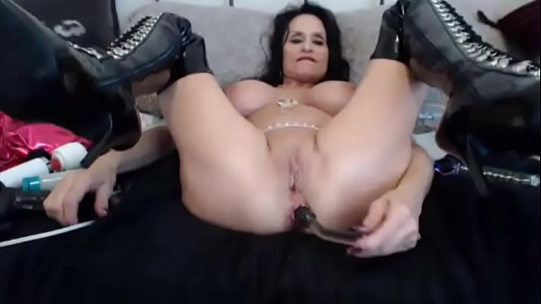 Busty squirt