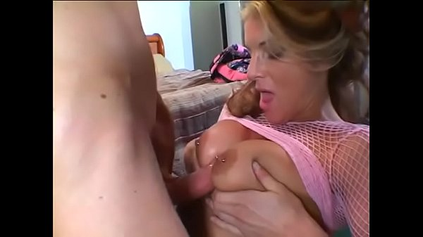Face fucking, Swallowing