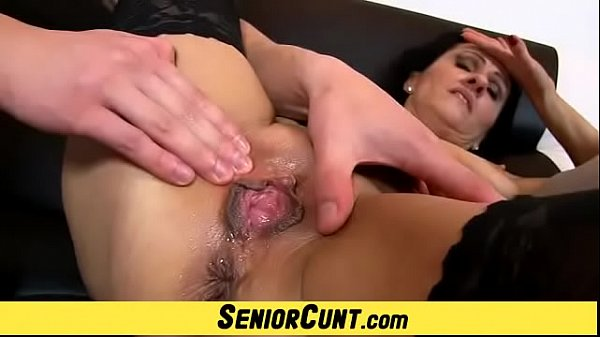 Squirting mom, Close up fuck