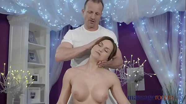 Orgasm massage, Massage room